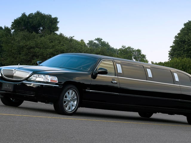 Why So Many Lincoln Town Cars Were Made Into Limos