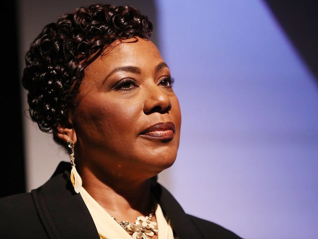 Tohtori Bernice King sulkee Fox News -sovelluksen väittäen, että Amerikka ansaitsee luoton orjuuden lopettamiseen