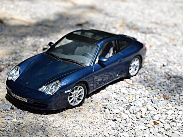 2002 Porsche 911 Targa by Maisto