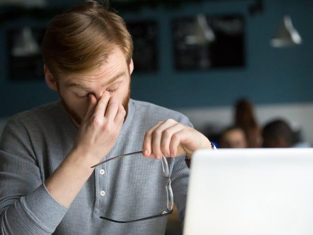 Når du sender en viktig e-post, legger du til mottakeren sist