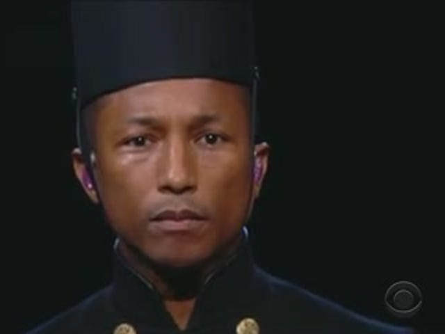 Pharrell interpreta 'Happy' con un 'Black Lives Matter' Nod