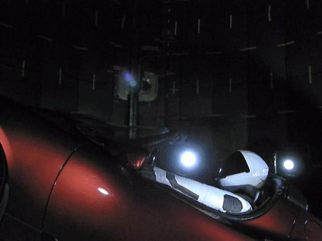 Elon Musk фактично вистрілив Tesla Roadster в космос