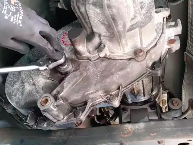 Εάν θέλετε να μάθετε πώς να καθορίσει τα αυτοκίνητα, μικρά κανάλια YouTube DIY είναι Godsend
