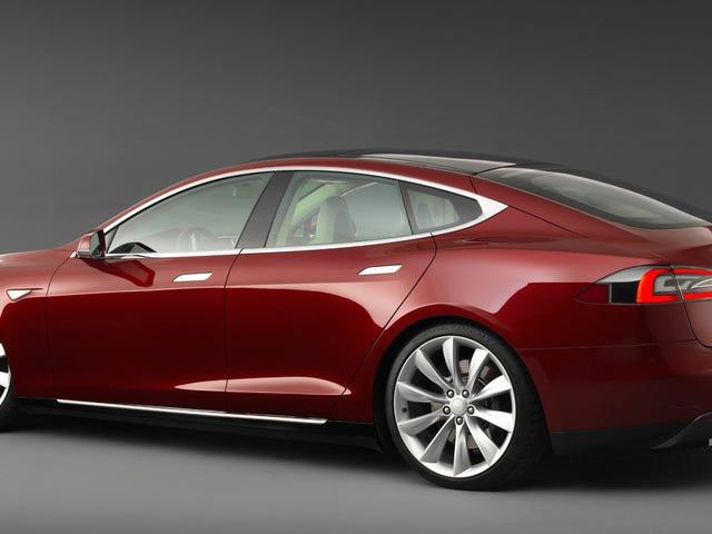 Bir Tesla Modelinde 300.000 Mil Yerleştirdiğinizde Bu Olabilir mi? <em></em>