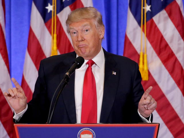 Ganhar: Trump dissolve dois conselhos consultivos depois que os conselheiros fugiram no protesto [Atualizado]