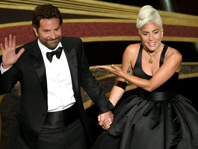 A Star Is Bornis returning to theaters with 12 new minutes of Gaga and Bradley Cooper sexual tension