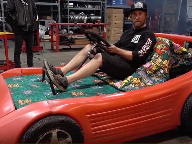 Mon enfance est en train de mourir pour ce lit de voiture de course transformé en un kart
