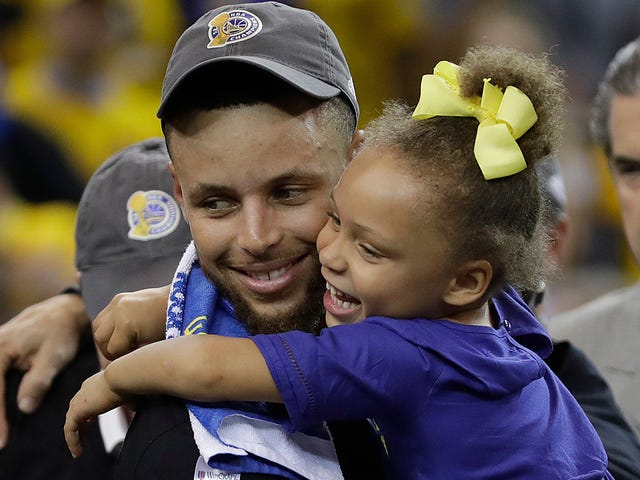 Stephen Curry Is the Woke 'Father of Daughters'