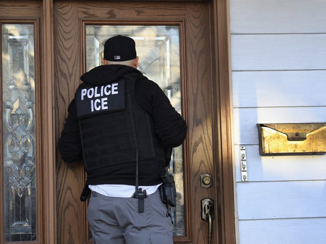 Jury Acquits Man Who Offered $500 to 'Anyone Who Kills an ICE Agent' on Twitter, but Questions About 'True Threats' Remain