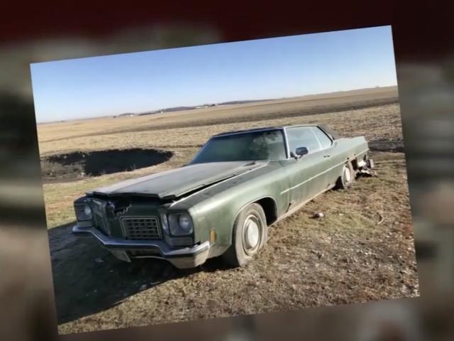 Человек находит обручальное кольцо, затерянное внутри двигателя Oldsmobile 45 лет назад
