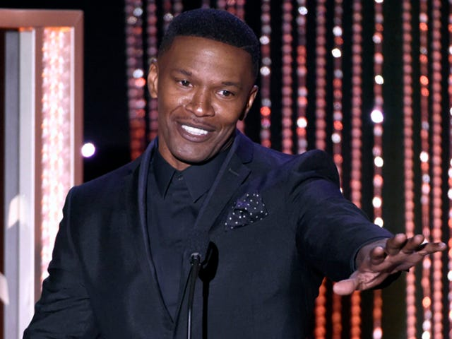 Jamie Foxx Rescued Somebody From A Burning Vehicle Last Night: Reports