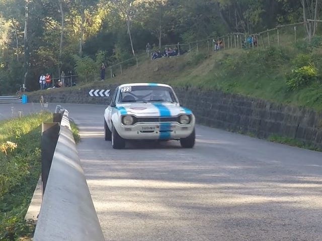 Two-Liter Screamer Ford Escort RS2000 Rips Up Hillclimb Course