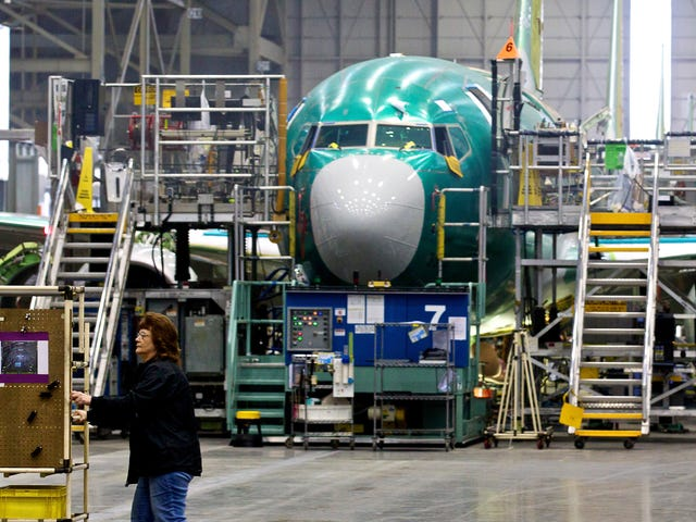 FAA Orders Inspection of Boeing 737 Next Generation Jets After Discovery of 'Structural Cracks'