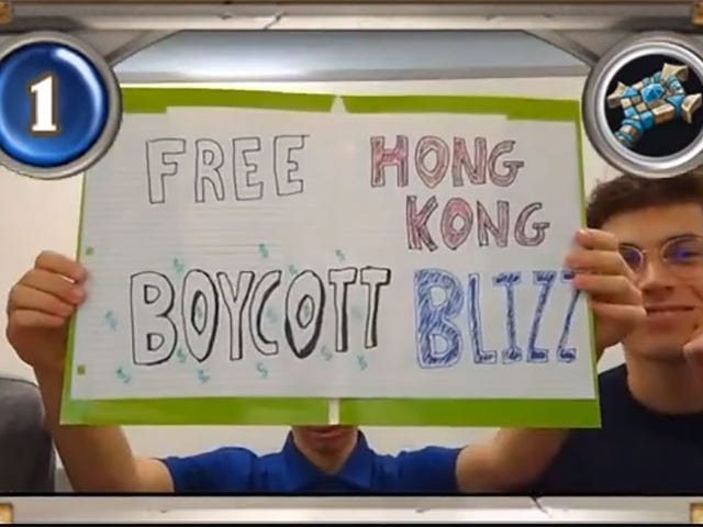 Kolej Hearthstone Players Hold Up 'Percuma Hong Kong, Boycott Blizzard' Sign On Stream