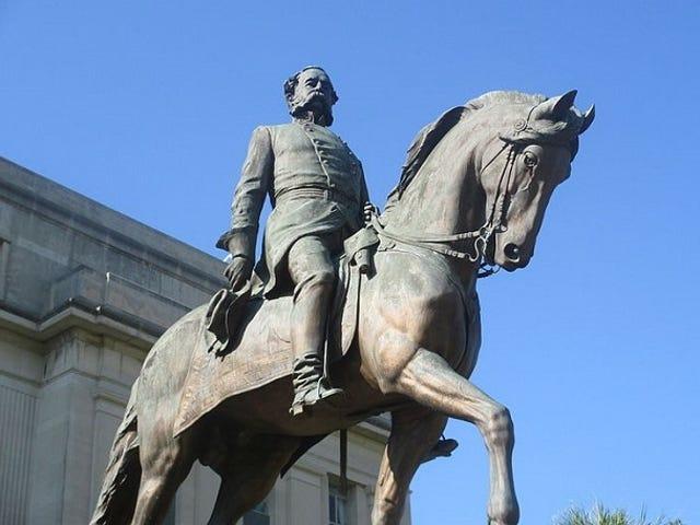 Mengesan Akar Anda: Ancestor Konfederasi Saya Berada di Monumen;  Siapa Dia Memiliki?