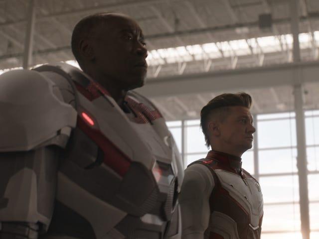 ट्विटर के <i>Avengers: Endgame</i> फैंस को सही तरीके से बताने के लिए बहुत उत्साहित हैं