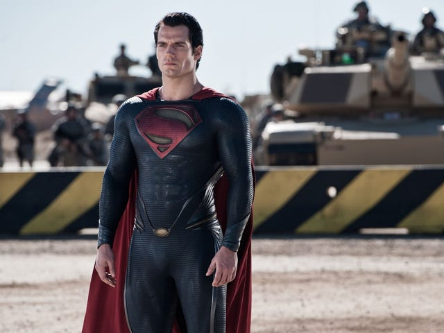 """Ο Henry Cavill σπάει τη σιωπή και λέει ότι είναι ακόμα Superman: """"το ακρωτήριο είναι ακόμα δικό μου"""""""