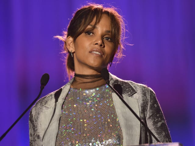 Halle Berry Thinks Her Oscar Win Probably 'Meant Nothing' to Hollywood