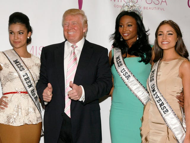 Trump Reportedly Ogled Teen Beauty Pageant Contestants in Their Dressing Rooms
