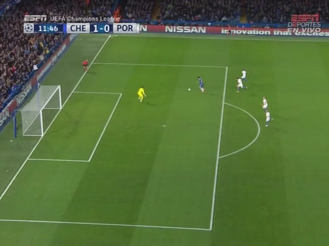 Diego Costa avvince 1-On-1 con Keeper, Chelsea, comunque