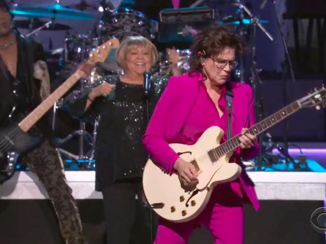 På Grammy-hilsen til Prince stjal kunstnerens overlevende samarbejdspartnere showet