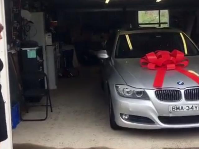 Brothers Save Up Untuk Tahun Untuk Beli Ibu Dream BMW Untuk Krismas