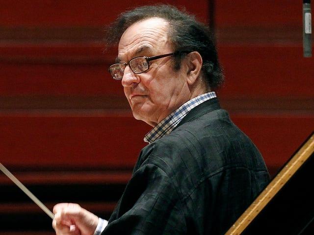 Chef d'orchestre suisse accusé d'agression sexuelle ovationné lors d'un concert à Paris