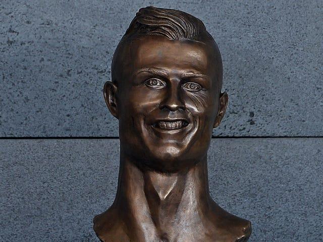 Sculpteur de Cristiano Ronaldo Bust: Je, comme Jésus, je ne peux pas souhaiter à tous
