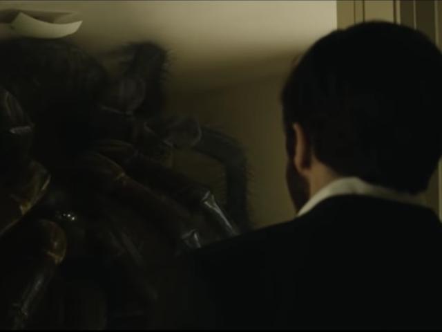 นี่คือวิดีโอสำหรับทุกคนที่ยังไม่สามารถลืมสิ่งที่แมงมุมใน <em>Enemy</em> ของ Denis Villeneuve ได้