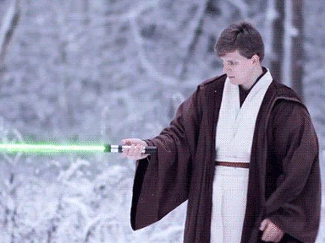 <i>Star Wars</i> 결투는 이상한 모양의 라이트 세이버 논쟁을 극한까지 가져옵니다.