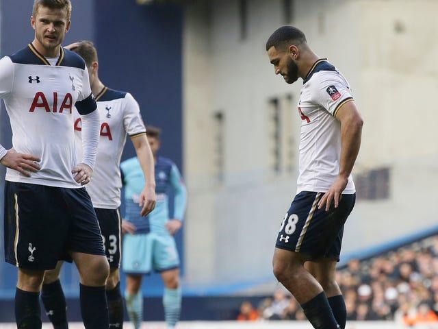 Wycombe Wanderers Dördüncü Bölümünü Neredeyse Kaybetti