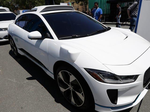 Waymo、ルノー、日産、三菱自動車と無人タクシーに協力