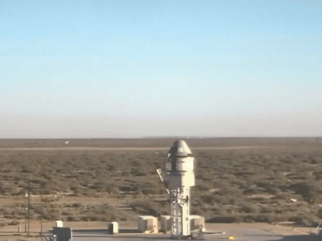 Boeing Completes Dramatic Abort Test of Spacecraft That Could Take Astronauts to the ISS