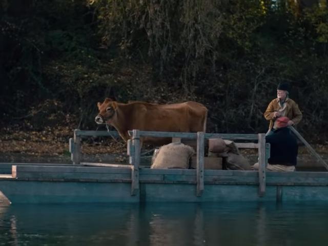 Spotkaj się z pierwszym w tym roku wybuchem bydła w tym zwiastunie dla Pierwszej Krowy Kelly Reichardt
