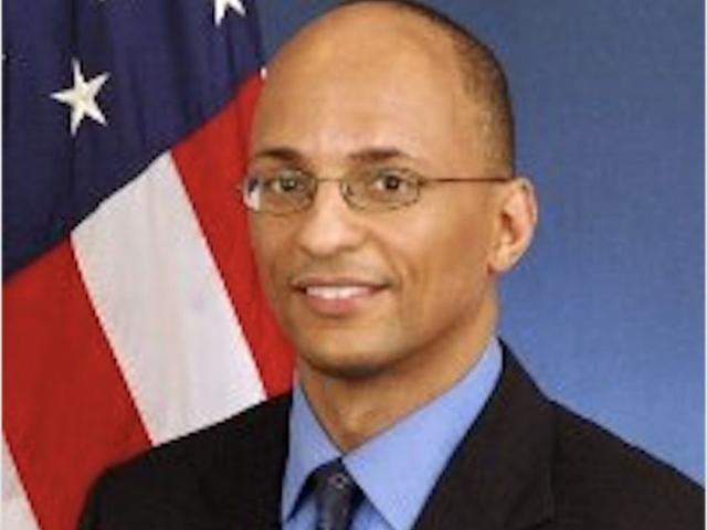 Sen.-Elect Doug Jones Taps Black Man sebagai Ketua Stafnya, Senator Senat Hanya Demokrat Bertindak Jadi