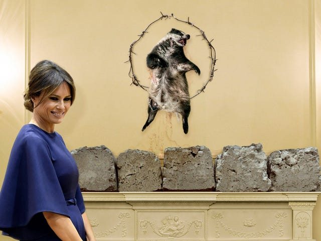 Melania Trump Hangs Decayed Badger Carcass Higit sa White House Mantel Upang Magtatapos Off Tradisyonal Slovenian Christmas Decor <em></em>
