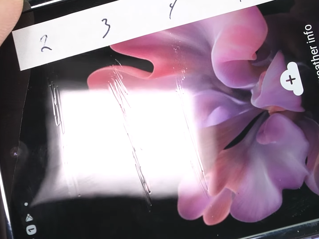 Samsung's Galaxy Z Flip Sure Does Look Fragile in this Durability Test
