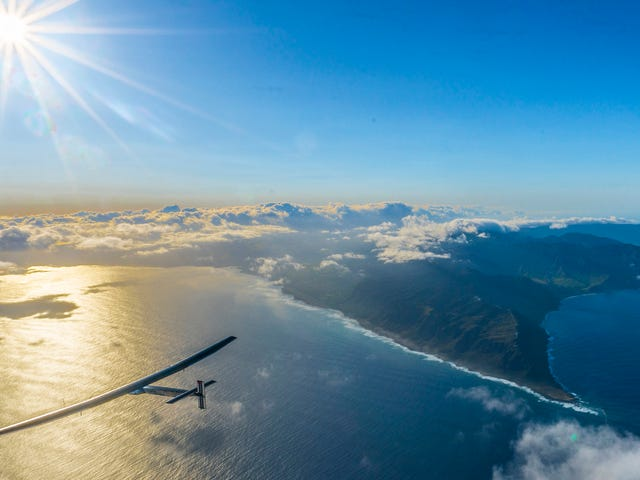 Solar Impulse Pilot Feels Awesome After a Full Day of Nonstop Flying