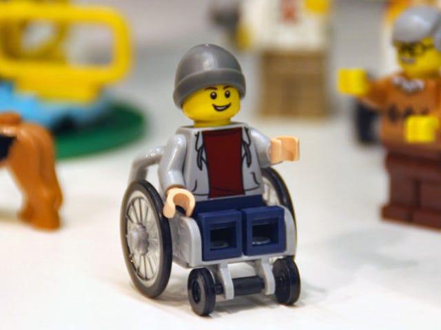 Hình tượng đầu tiên của Lego trên xe lăn là quá hạn đáng xấu hổ