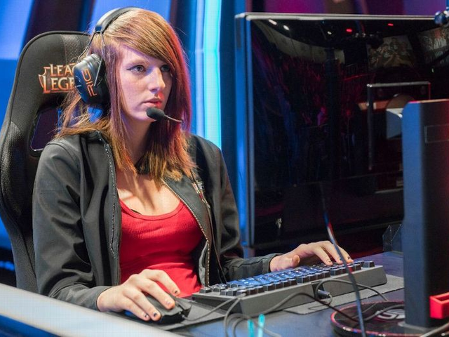 Remilia, The First Woman To Compete In The League Of Legends Championship Series, Dies At 24