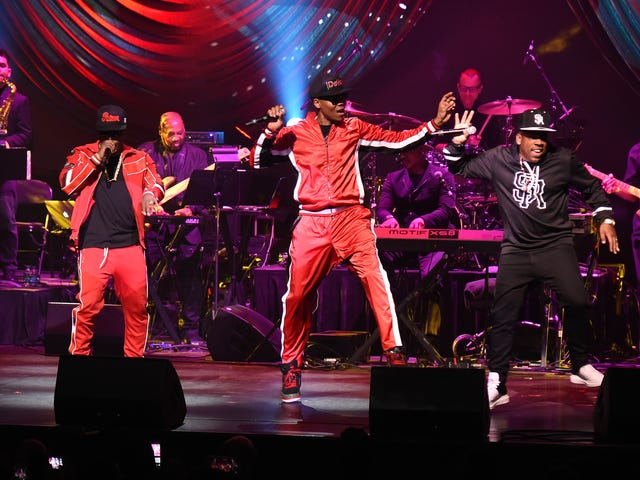 Energetic and Nostalgic Performances by Bell Biv DeVoe, Tony! Toni! Toné and More Helped the Apollo Spring Gala Raise Over $2 Million