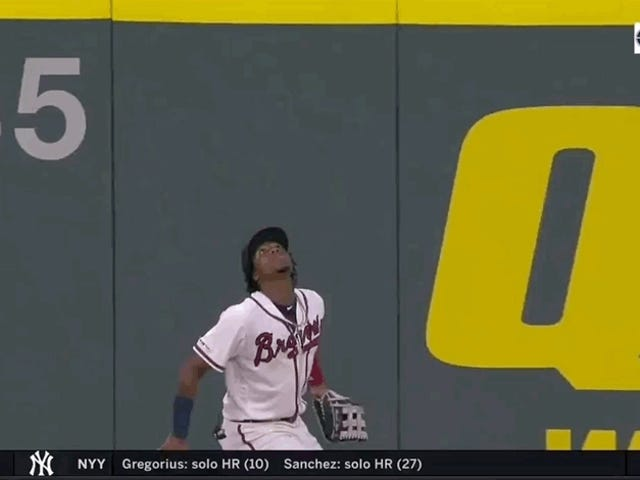 Ronald Acuña Jr. dà gravità al dito medio, Robs Home Run