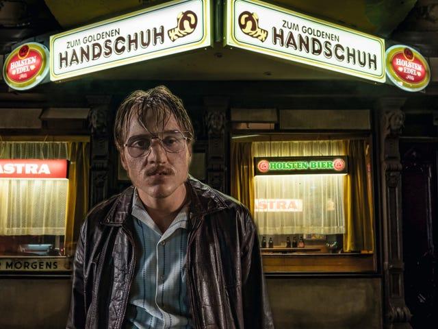 Drama serial pembunuh The Golden Glove menjijikkan, nihilistik, dan tidak ada gunanya — dan itulah intinya