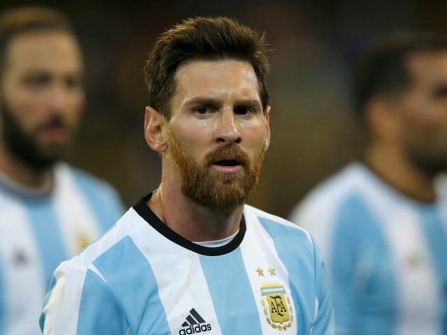 Như Lionel Messi thể hiện, sức nặng của lòng từ thiện đã giảm trên các vận động viên. Nhưng chủ đội ở đâu? Ya know, những người có tiền thật