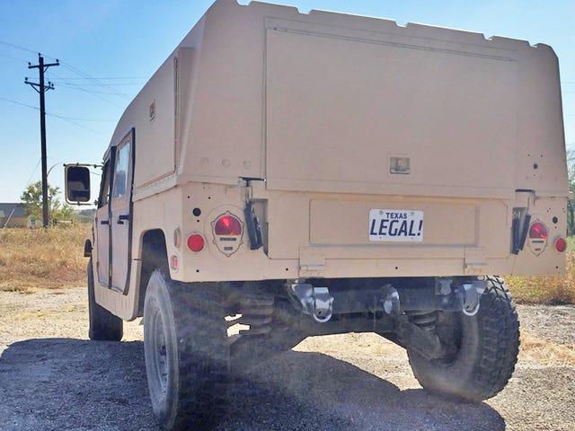Maak je militaire overschot Hummer Street Juridisch: niet gemakkelijk, niet onmogelijk
