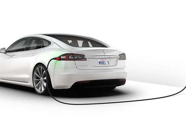 Bộ pin Tesla Model S 70 kWh hiện chỉ còn 75 kWh sau một bức tường