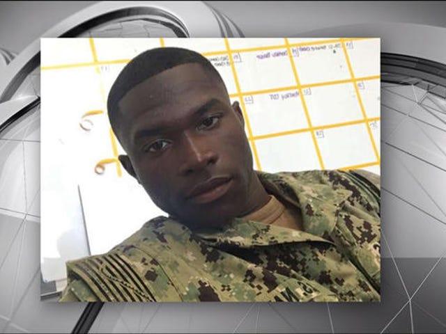 Black Navy Sailor forsøger at hjælpe 'Stranded Motorist' skudt og dræbt
