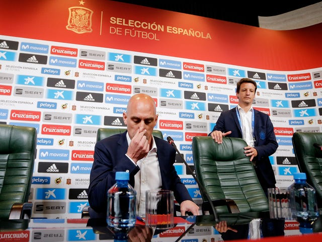 Spain Shoots Its Own Dick Off In The Name Of Propriety, Fires Manager One Day Before World Cup