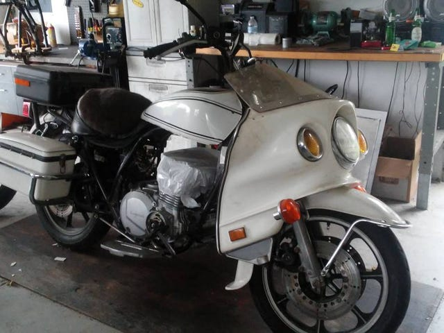 Is $900 Too Much To CHiP In For This Wounded 1982 Kawasaki KZ1000P?