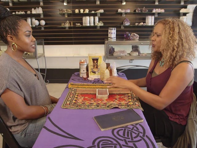 The Craft's Rachel True Read My Tarot y Now I'm a Believer, Mostly
